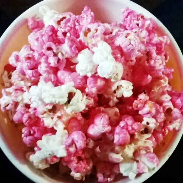 Pipoca doce e rosa do amor. Receita abaixo...