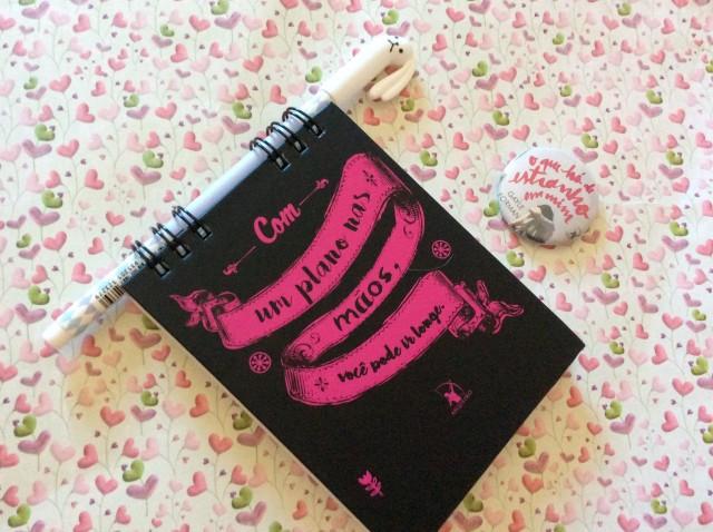 Livro_o_que_ha_de_estranho_em_mim_1