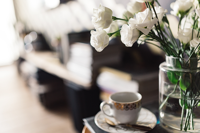 flowers-and-cup-of-coffee